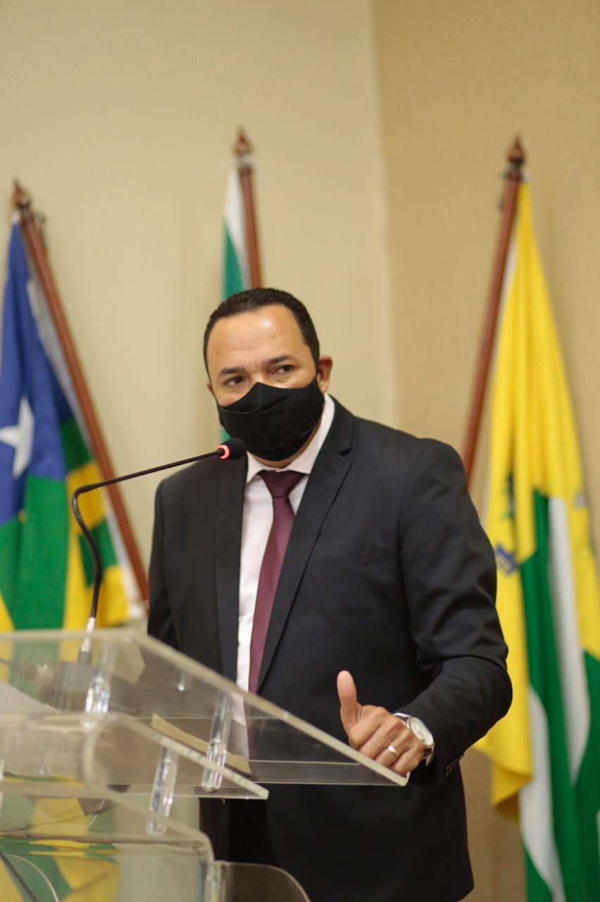 Arnaldo Leite é empossado como vereador