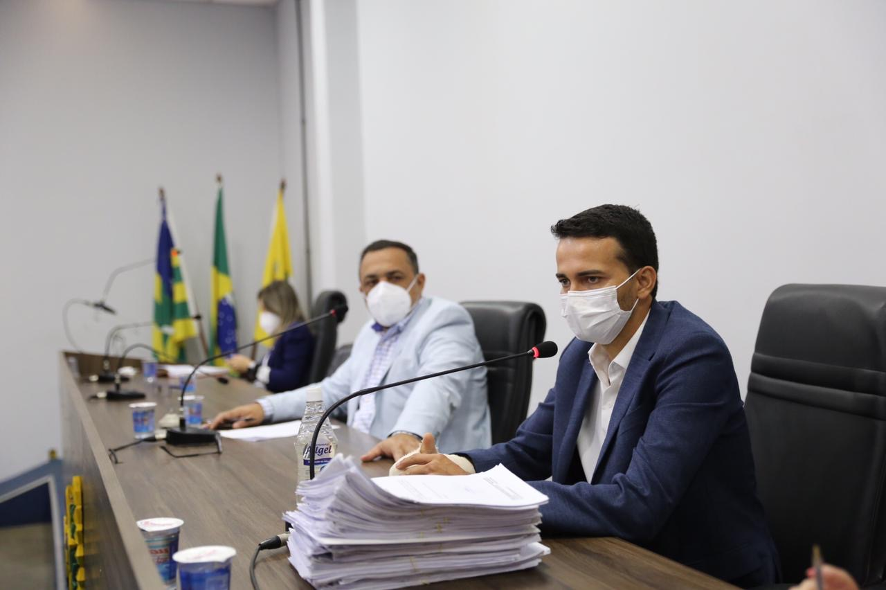Secretário Municipal de Desenvolvimento Urbano presta contas na Câmara Municipal