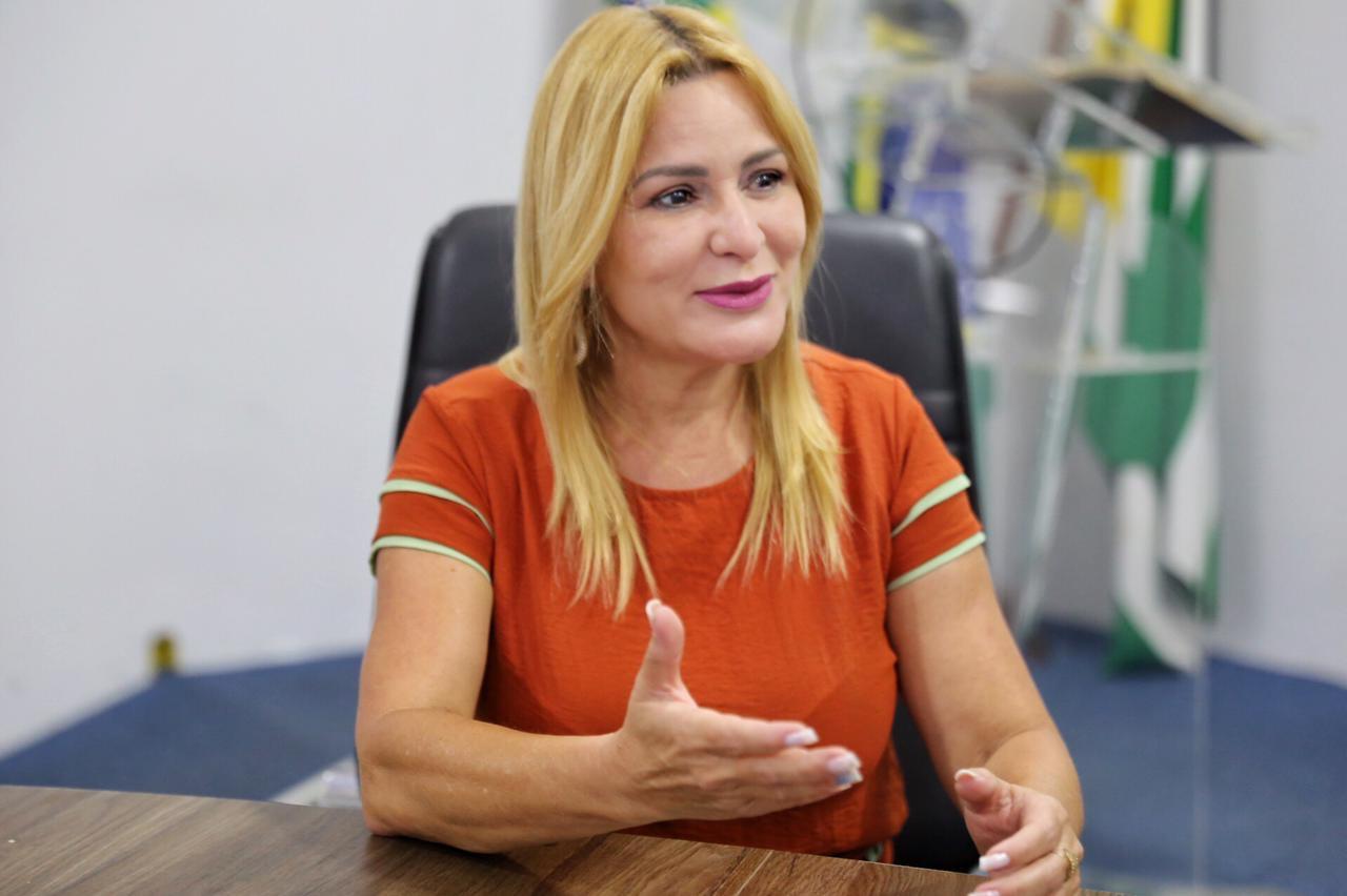 Vereadora Valéria Pettersen deixa legislativo aparecidense para assumir Secretaria em Goiânia